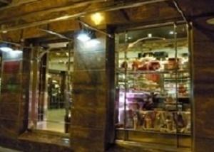 甜点店利用美食类精油进行香氛营销来吸引更多的消费者来消费
